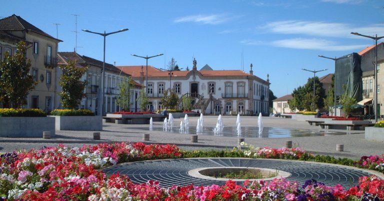 Фуутура изпрати трима младежи на обмен в Португалия